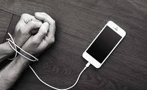 TECHNOLOGY VS HAPPINESS